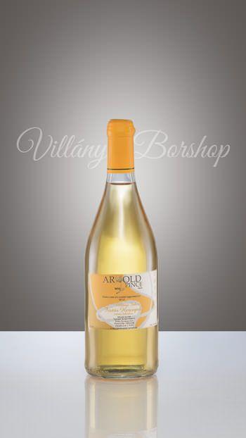 Arnold Füstös Hercegnő  A pince egyik büszkesége. Az érett Királyleányka enyhe barrique-kolásával készült fehérbor, mely enyhén vaníliás ízt kölcsönöz a bornak.
