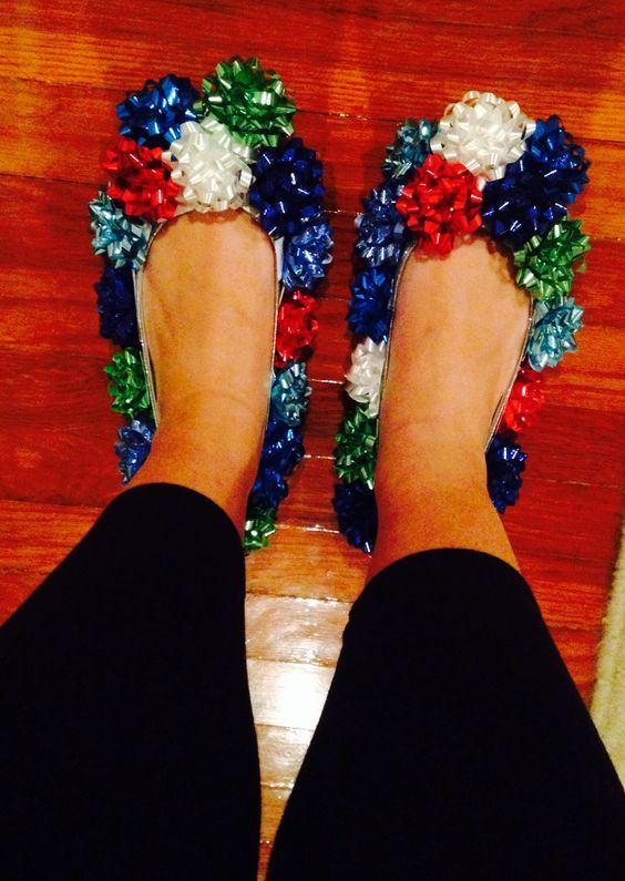 Ugly Christmas Bow Shoes for Ugly Sweater Party - 16 Totally Unforgettable Ugly Sweater Party Ideas #uglysweaterparty