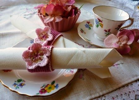 Yellow, Pink and Sparkly: Blossom Napkin Rings - free crochet pattern