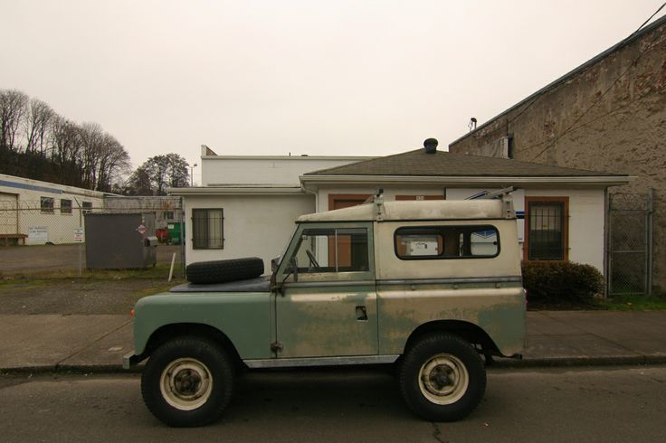 OLD PARKED CARS.: 1965 Land Rover Series IIa.