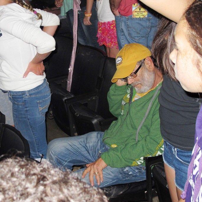 papas au concert des one direction 4   Papas au concert des One Direction   photo papa One Direction image concert