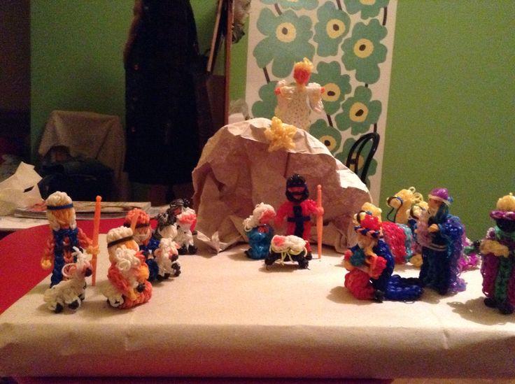 Rainbow loom nativity