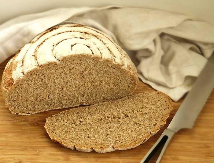 Piwny chleb potrójnie pszenny na zakwasie - z piwem pszenicznym