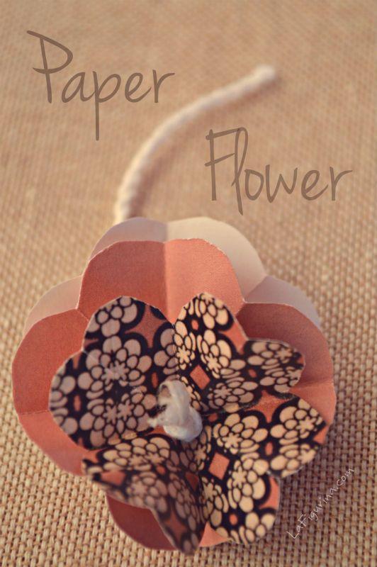 http://www.lafigurina.com/2014/09/decorazioni-con-i-fiori-di-carta-con-tinte-autunnali/  Fiori di carta... la mia passione!