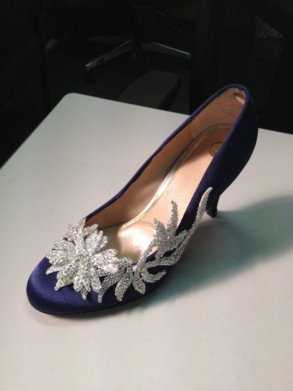 manolo blahnik swan shoes cheap
