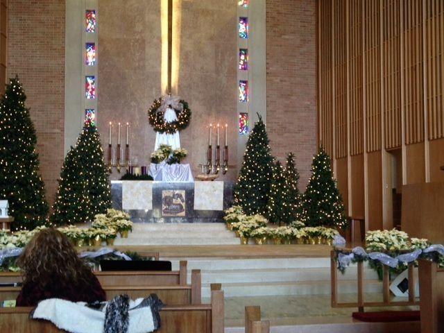 Christmas Decorating Ideas For Church Sanctuary Church Christmas Decorations Christmas Church Church Decor