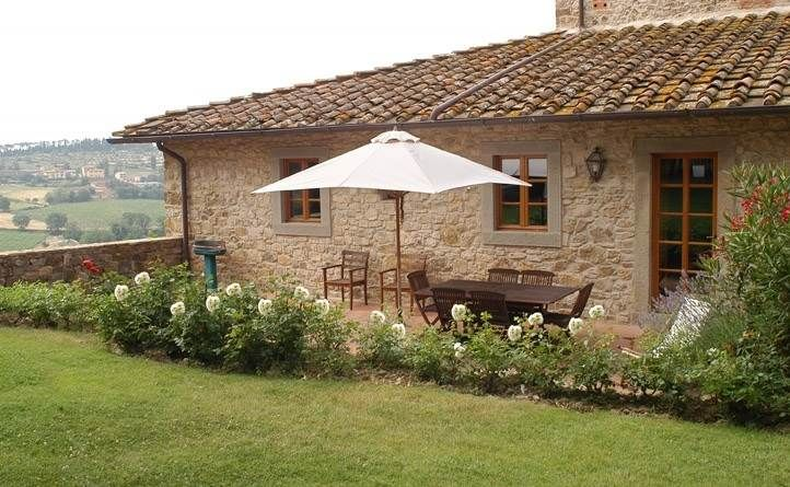 Tuscany Accommodation, Chianti Apartments. A lovely Chianti apartment, portion of a typical Tuscany stone farmhouse, in the heart of Chianti between Florence and Siena not far from the village of Greve in Chianti. #tuscany #chianti #accommodation #apartments