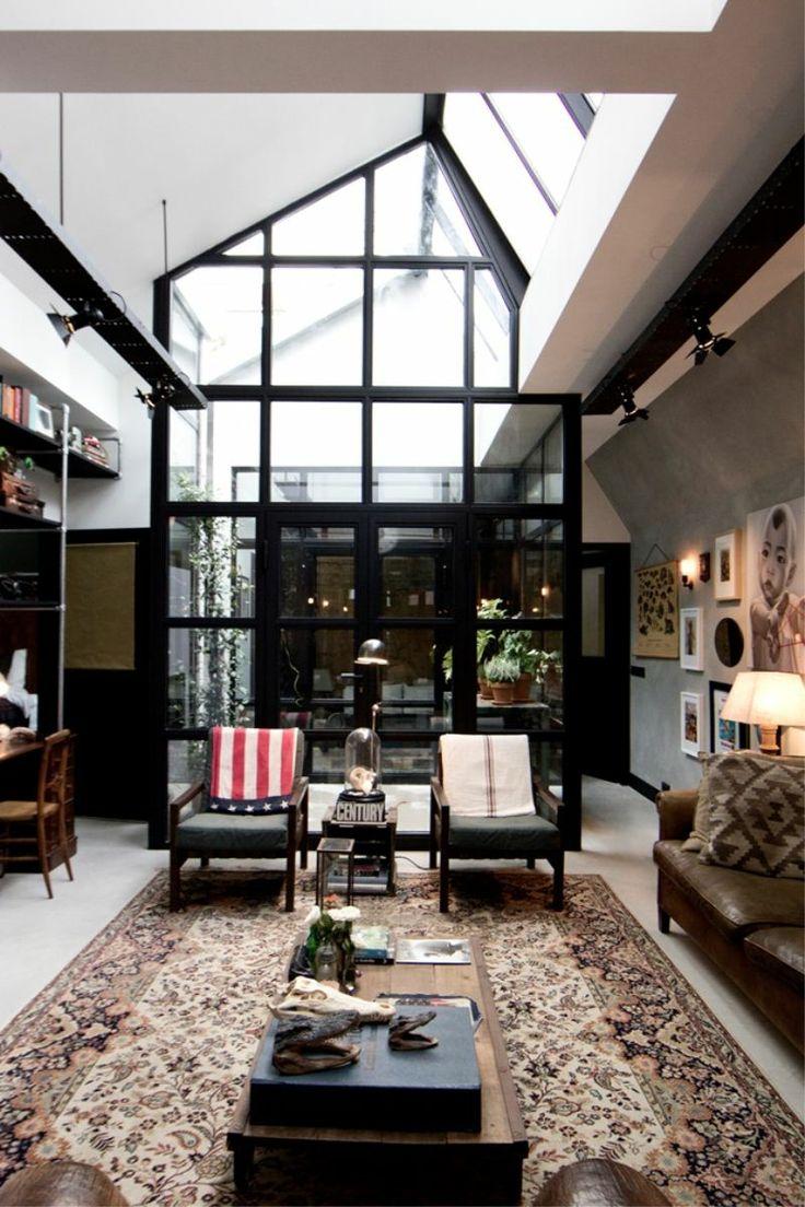 James van der Velden : ancien-garage-renove-amsterdam --- inside garden, the roof OpenS to get the fresh air in