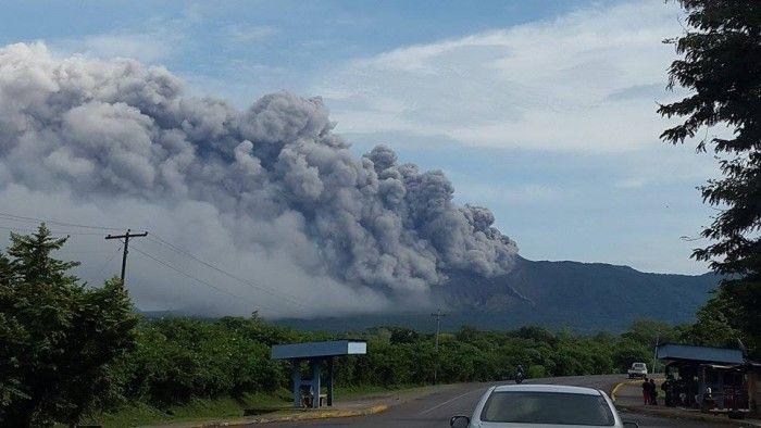 Explosiones en el volcán Telica | La Prensa