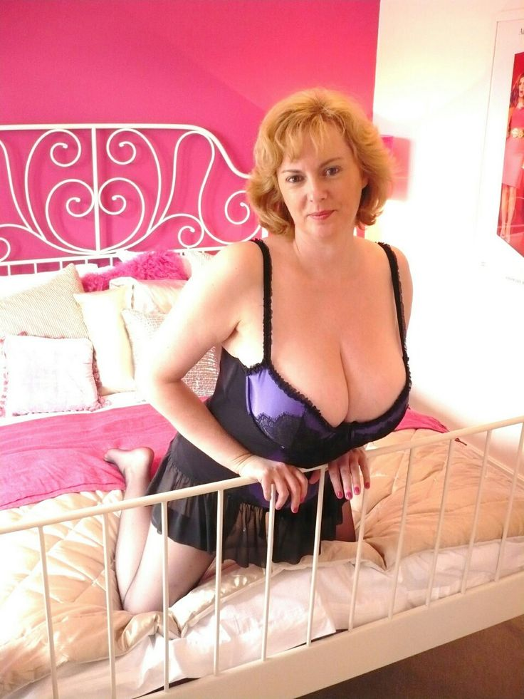Big Sexy Mature Wives Pics 16