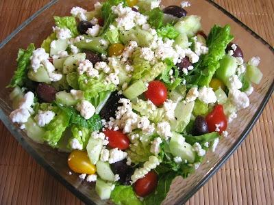 Greek Salad with a Lemon Garlic Dressing | Salads | Pinterest