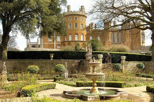 Belvoir Castle Garden And Water Fountain Castles Chateaus Manors Villas Pinterest