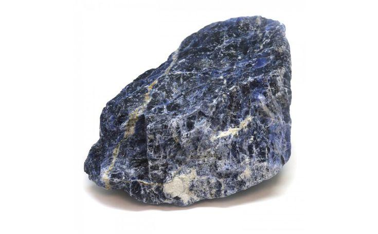 Sodalit - najsilnejší zo všetkých modrých kameňov. Pomáha sústrediť sa na prácu, dosahovať stanovené ciele a tiež zlepšuje pamäť. Prečítajte si viac...