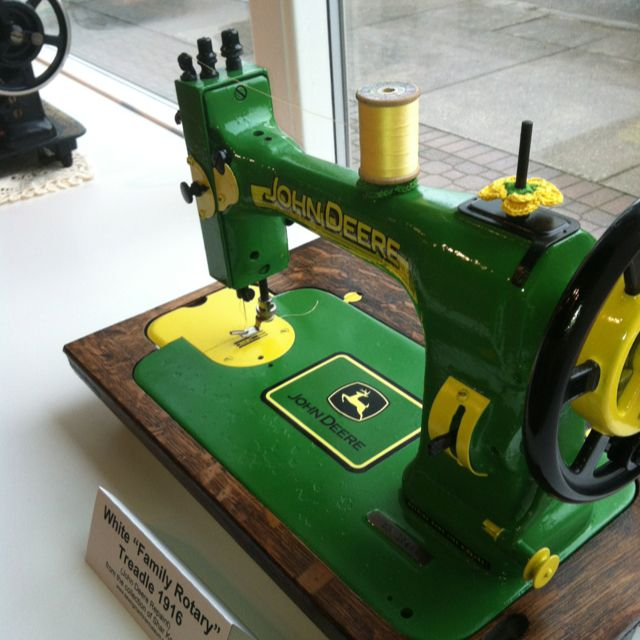 Vintage sewing machine - John Deere? legit?