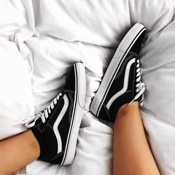 Fresh Kicks! RG: @leannefarley feat our @vans Old Skool in Black. #Shop straight from our bio. #vans #oldskool #offthewall