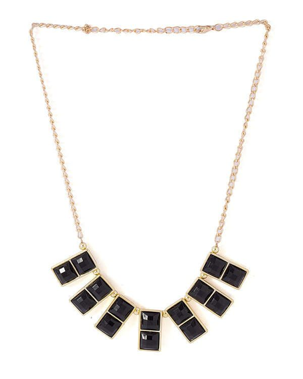 STYLISH NECKLACE DECKED WITH COOL BLACK BEADS