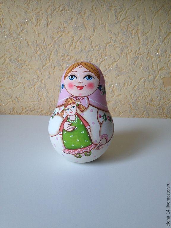 Купить или заказать Неваляшка с куклой в интернет-магазине на Ярмарке Мастеров. Неваляшка выполнена из дерева, внутри музыкальный механизм. Ручная авторская роспись. Будет замечательным украшением Вашего интерьера. Может быть выполнена в …