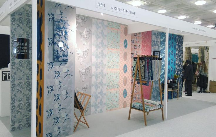 Tailor-made wallpapers designed and hand screen printed in Bristol by Addicted to Patterns  #wallpapers #bespoke #Bristol #silkscreenprinting #interiordesign  http://addictedtopatterns.uk/100-design-2017-summary/