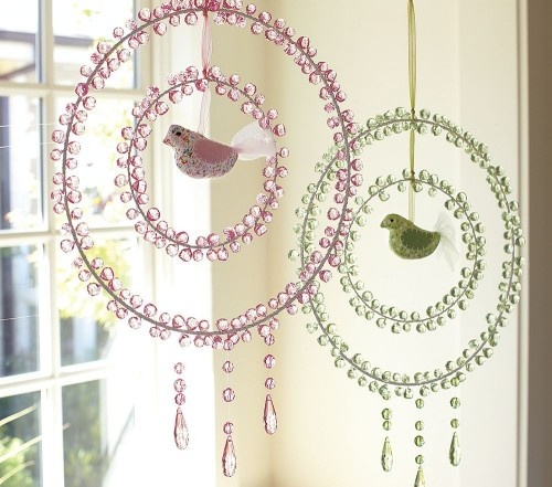 What a neat redesign on dream catchers.  Adorable for little girls room.