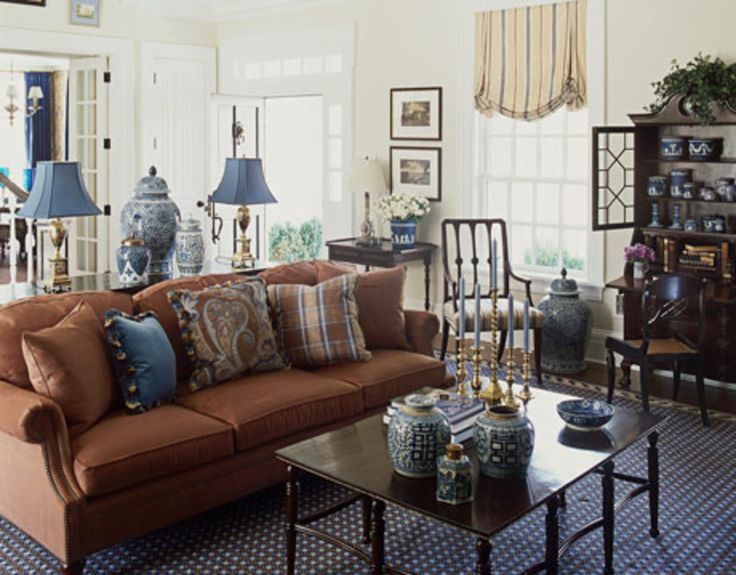 Traditional Living Room Decoration With Blue And Brown Accent
