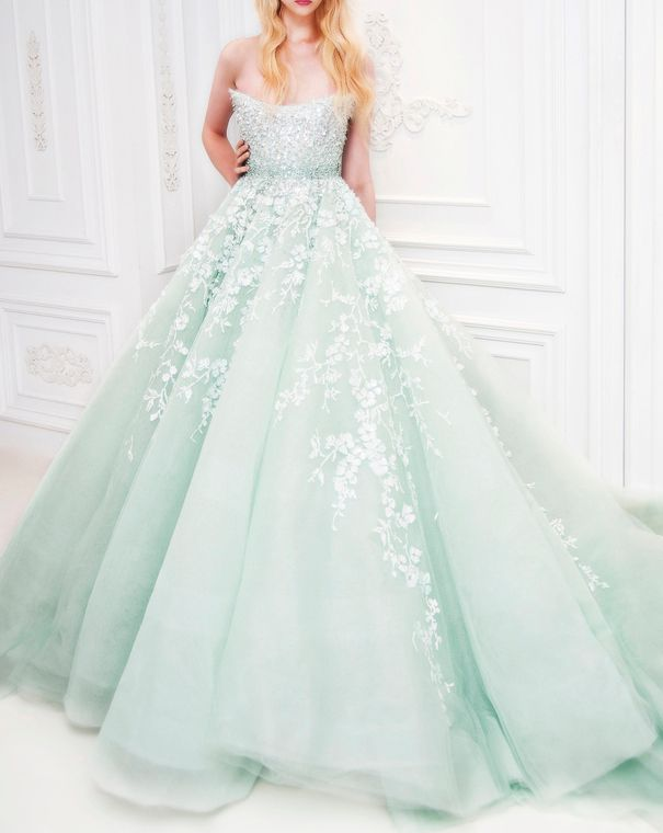 It's like if Alice went to a masked ball in the spring!! This should be your dress for the ball @Elizabeth Lockhart Lambert