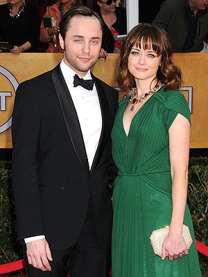 Alexis Bledel Engaged to Vincent Kartheiser.  OH.MY.GOD.  I love this.