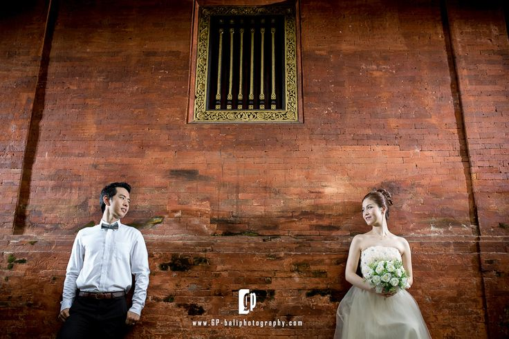 this korean couple ask me for their engagement photoshoot. the groom was very nice and kind, the bride was a little bit shy at the beginning. then suddenly become so confident during the day.