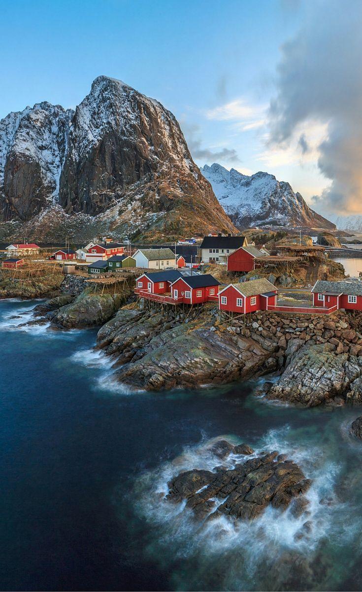 Fischerdorf Reine auf den Lofoten. Klicken Sie sich durch, um 20 weitere Seiten zu sehen …   – Travel / Wanderlust