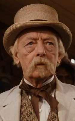 Harry Davenport as Dr. Meade