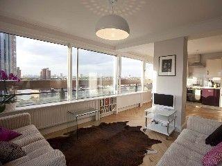 Sparkling Two Double-bedroom Riverside Flat Overlooking Chelsea and KensingtonVacation Rental in Putney