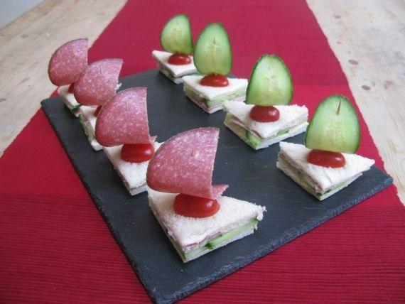 """""""Barco à vela"""", sanduichinhos bem criativos! foto reprodução: Froggleblog"""