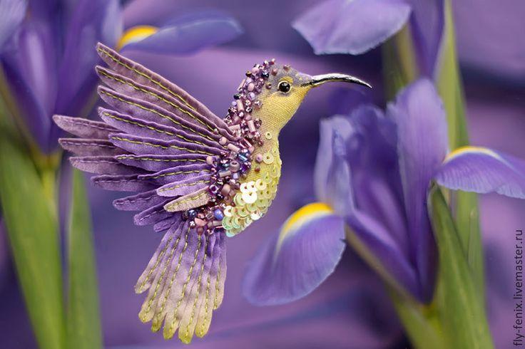 Купить брошь - лавандовая птица - колибри, птица, птичка, пташка, миниатюра, маленькая брошь, на платье