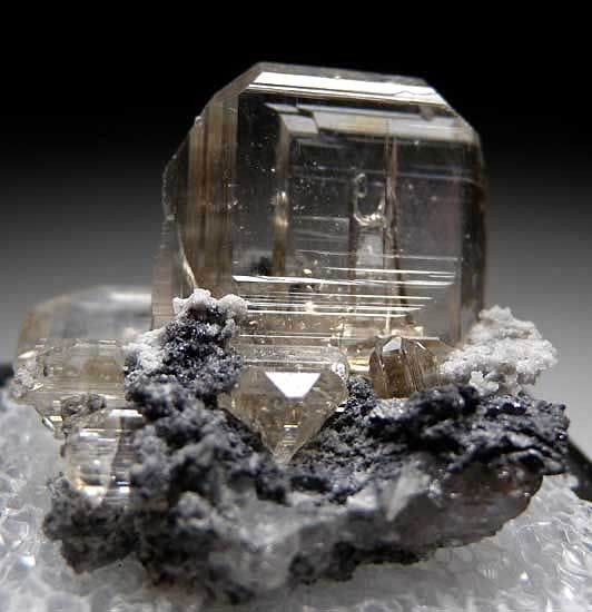 Cerussite from Tsumeb, Namibia [db_pics/pics/tu119a.jpg]   From Marin Mineral