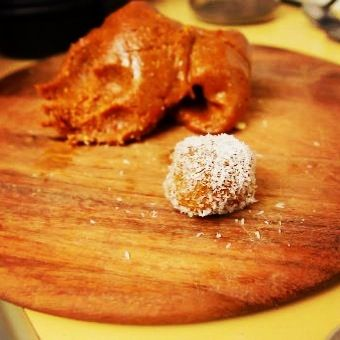 Raw paleo protein bars and bliss balls