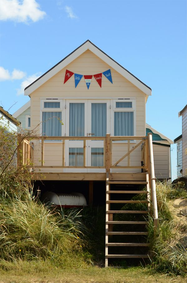 Visit the beautiful beach huts at Mudeford Beach, Hengistbury Head, #Dorset
