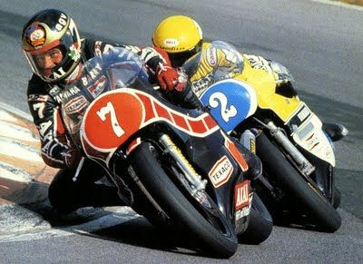 Barry Sheene leads Kenny Roberts