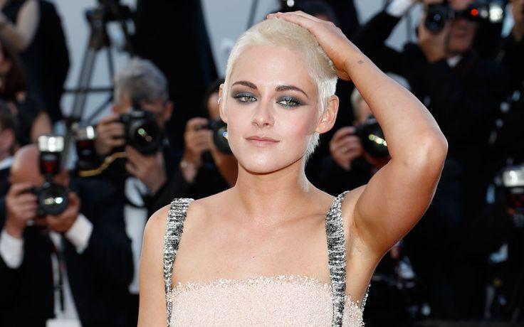 È una Kristen Stewart tutta nuova quella che abbiamo visto sfilare sul red carpet del Festival di Cannes. E non parliamo solo del look