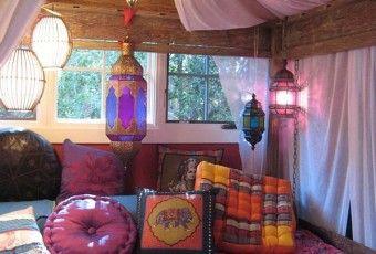 déco-chambre-ado-exotique-coussins-formes-couleurs-tailles