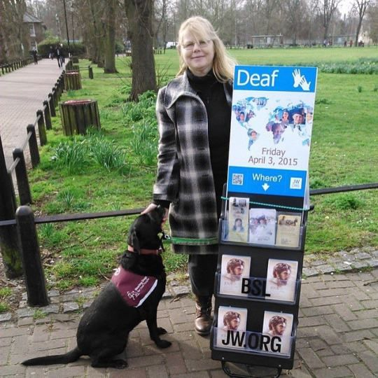 Cambridge UK. Deaf sister with her hearing dog Kudo. @rosalynandkudo