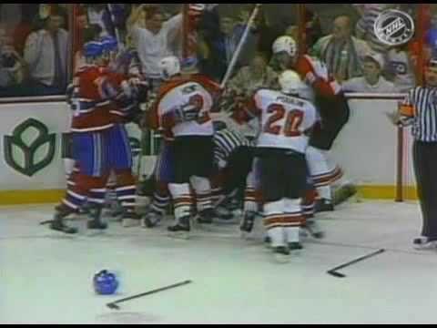 Chris Chelios vs Ron Hextall May 11, 1989