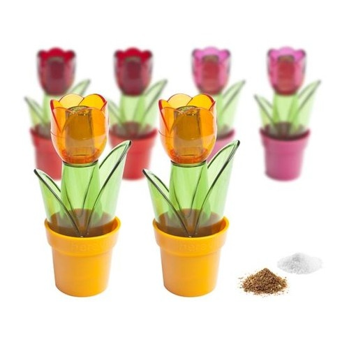 Tulip Slánky / salt and pepper shakers $18