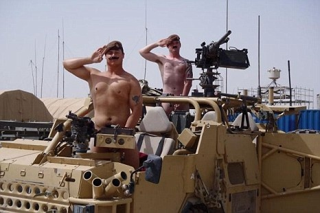 Caserne gay bidasse militaire homo Rencontre uniforme blog