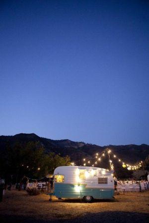 party lights / vintage camper