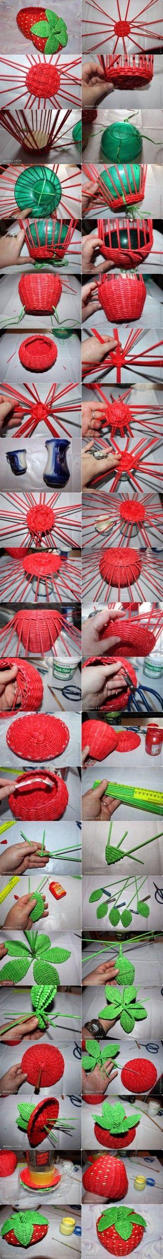 Hacer una cesta tejida forma de fresa de periódico reciclado