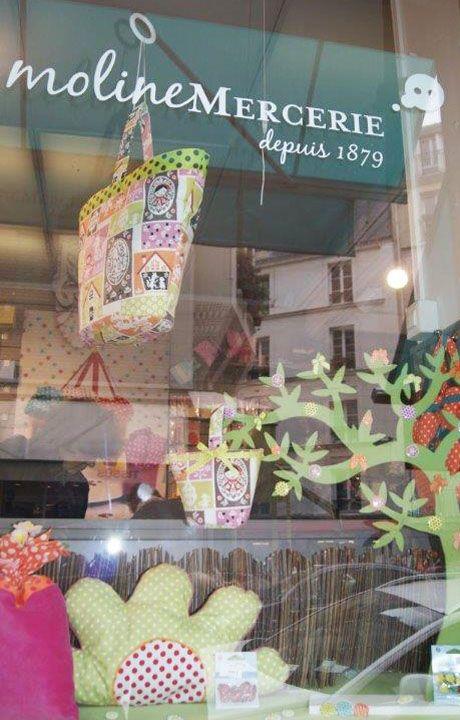 Moline-mercerie-vitrine-Printemps-créations-en-tissu-couture