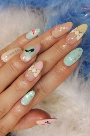 Teen Perfect Nail Art Designs for Summer - When it comes to beauty, the sky is the limit and age is of no importance, so make sure you look like a true diva every time by paying attention to even the smallest details. The following teen perfect nail art designs will help you become the nail art queen of your friend group, so browse through the designs and polish your nails to perfection!