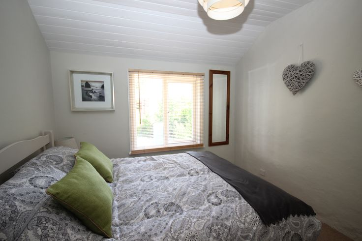 tranquil bedroom on pinterest guest bedroom colors relaxing bedroom