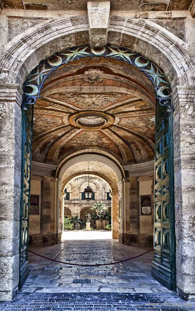 The Entrance to the Palace in Valletta. #Valletta #Malta #mediterranean #Knights #Doors #door #palace #culture #Knightsoftheorder