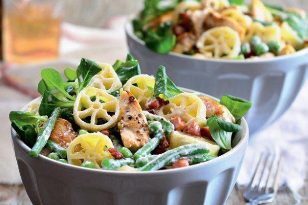 Těstovinový salát s kuřetem | Apetitonline.cz