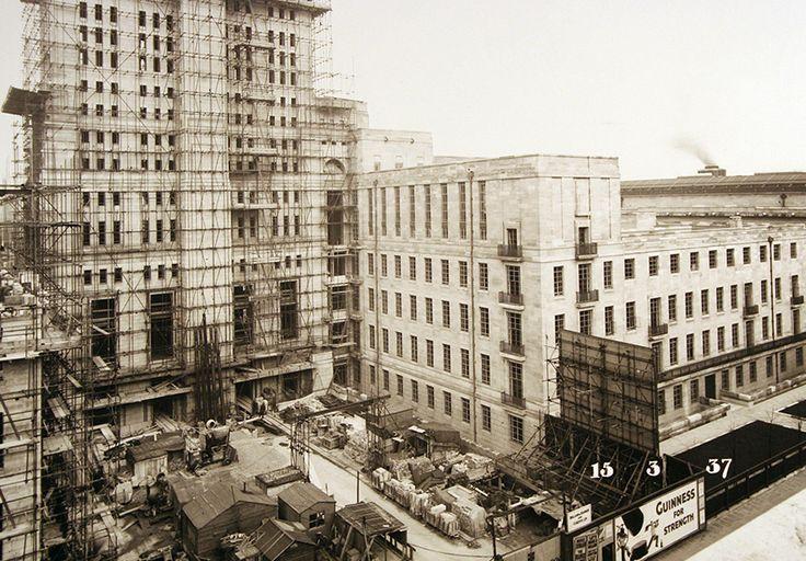 Senate House tower construction 1937